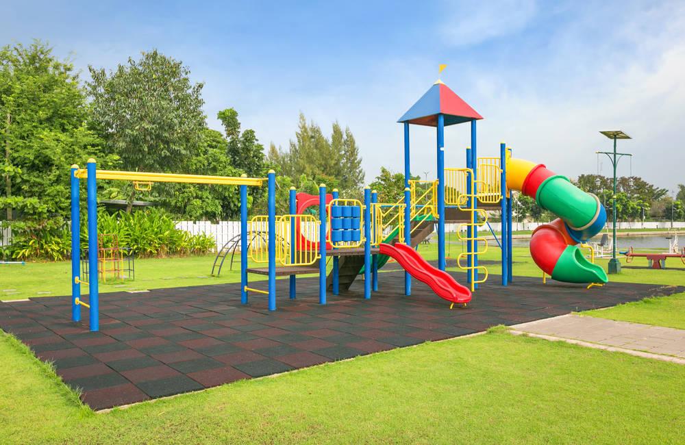 Por qué los parques infantiles están revestidos de caucho