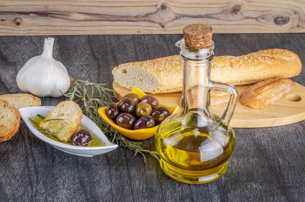 Con el aceite de oliva cuidamos de nuestra salud