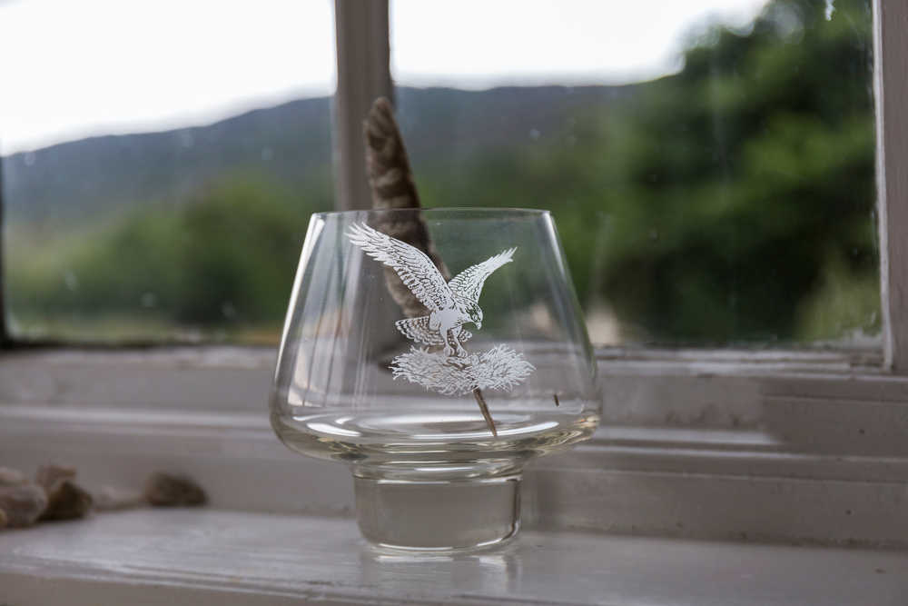 Los grabados en copas, vasos o platos son tendencia entre los hosteleros españoles
