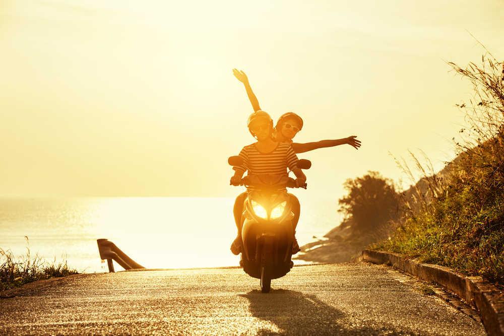Guía básica sobre cómo prepararte para viajar por el mundo en tu moto
